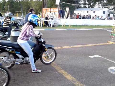 Desafio Motos 110 entre mujeres - Picadas Concordia