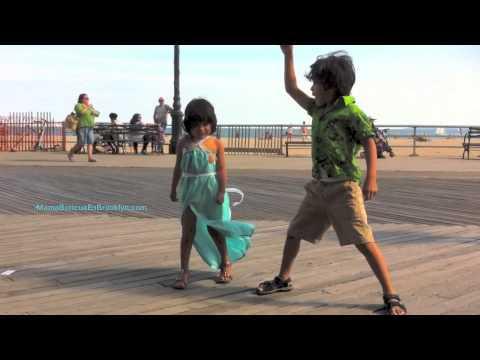 Bailando con Acopladitos en Brooklyn