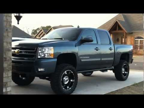 Badass 2009 Chevy Silverado LTZ 4x4 Lifted