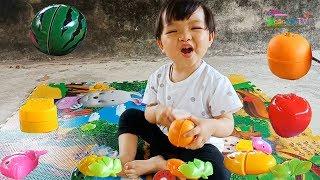 Bé chơi bộ đồ chơi cắt hoa quả và đọc tên các loại quả ❤Ngân hà TV❤