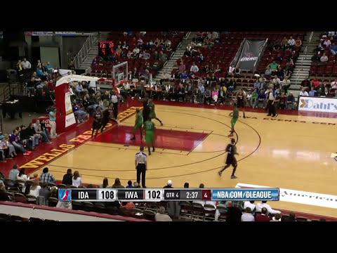 Derrick Caracter highlight video (20 pts, 10 rbs) vs. Iowa Energy