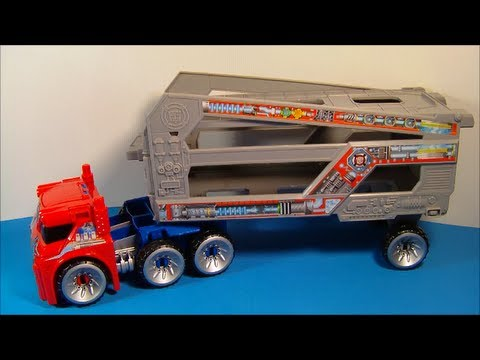 TRANSFORMERS RESCUE BOTS ENERGIZE OPTIMUS PRIME WITH RESCUE TRAILER PLAY SET TOY REVIEW