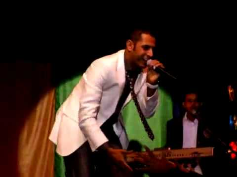 Nasha   Gippy Grewal Live In New Zealand Desi Rockstarss video