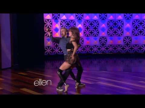 Bailarina con prótesis en las piernas, 2014