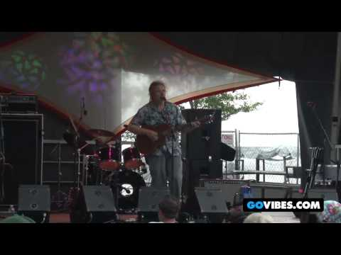 "David Gans Performs ""Loser"" at Gathering of the Vibes 2011"