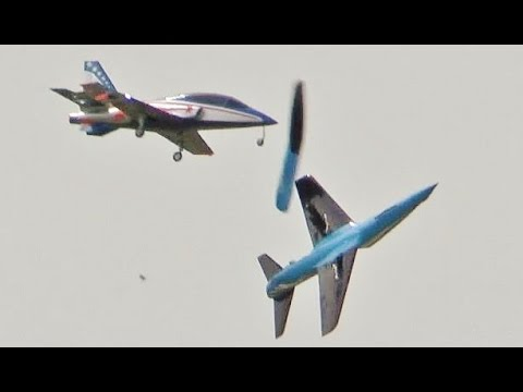 RC PLANE CRASH - MIDDAIR COLLISION TWO JETS - VIPERJET & REBEL - 2015