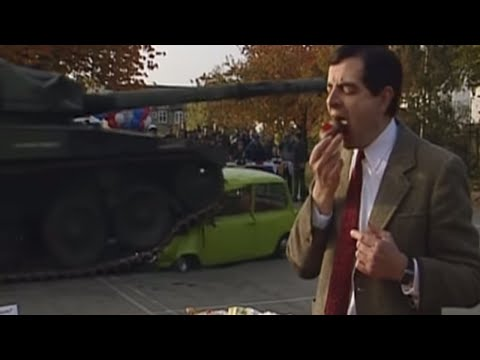 Mr Bean - Car squashed by tank