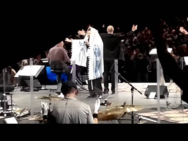 Jonathan Cahn Gives the Aaronic Blessing in Theater in the Round - The Rock, Anaheim, California