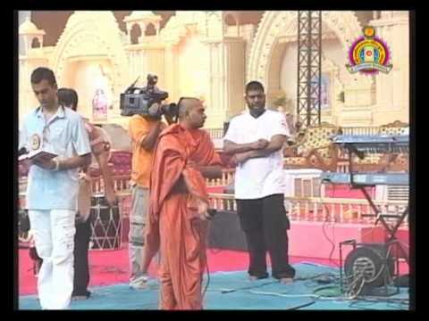 Bhuj Nutan Mandir Mahotsav 2010 - Dhol & Raas Utsav Part 1 of 2