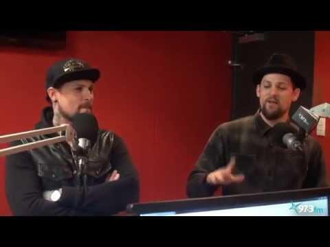 FLASHBACK: Would Joel Madden Turn For Benji Madden On The Voice?