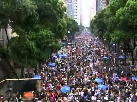 Carnaval 2011- Bloco O Cordão do Bola Preta arrasta 2 milhões de pessoas no Rio