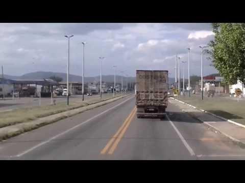 BSR Jequié BA, caminhão tombado na br 116 10.11.13
