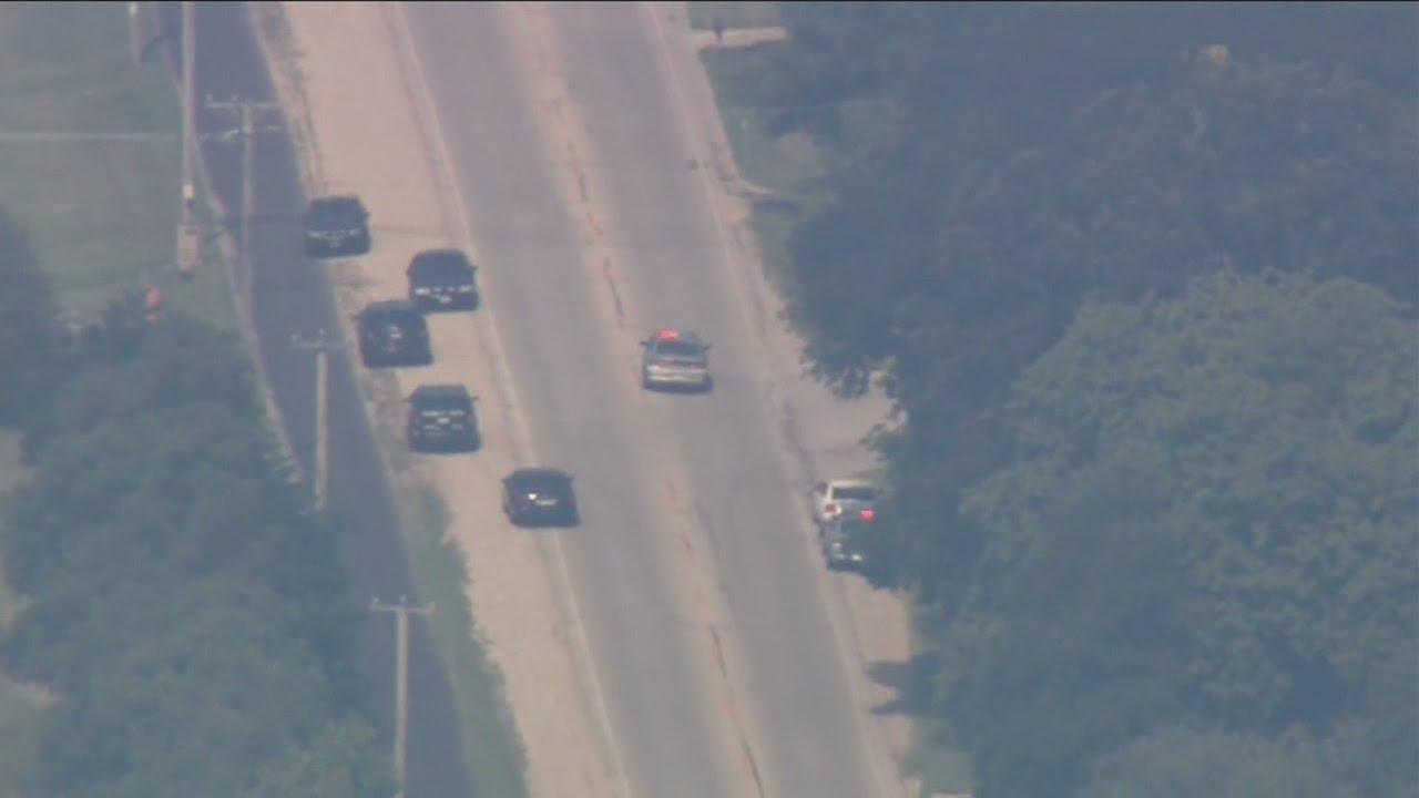 Police officer killed in Fox Lake, Ill., manhunt underway