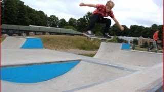 Skateboarding - Schaeffer McLean - Quick visit to Walthamstow Skatepark in London