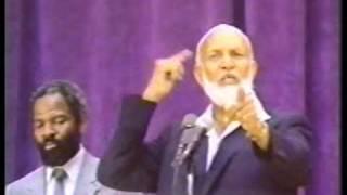 Ahmad Deedat, Jimmy Swaggart - Is the Bible God's Word - Q&A - 1/2