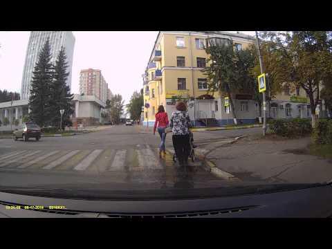 Байкер сбивает детей (г.Воскресенск)