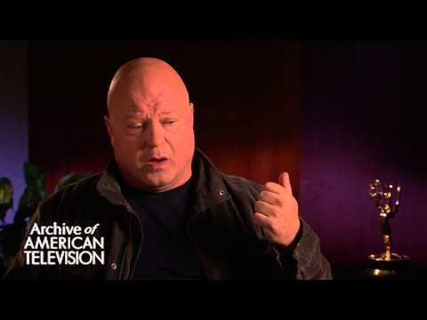 Michael Chiklis discusses shooting the pilot for The Shield- EMMYTVLEGENDS.ORG