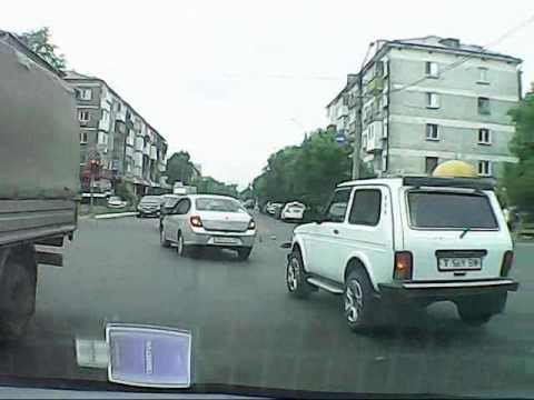 В ночное время на автодороге астана - петропавловск водитель bmw не заметил переходящий через дорогу табун