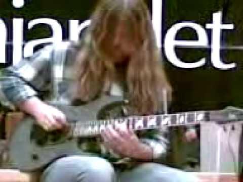 Mattias IA Eklundh-Freak Kitchen-guitarclinic 31stJanuary07