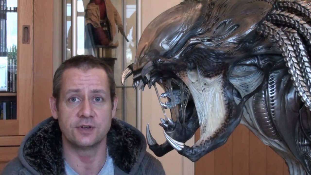 1:1 Life-Size Predalien Bust from Sideshow Collectibles ... Predalien