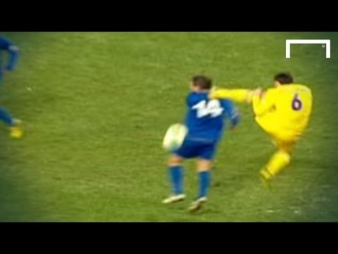 Horror tackle - Ukraine v Moldova