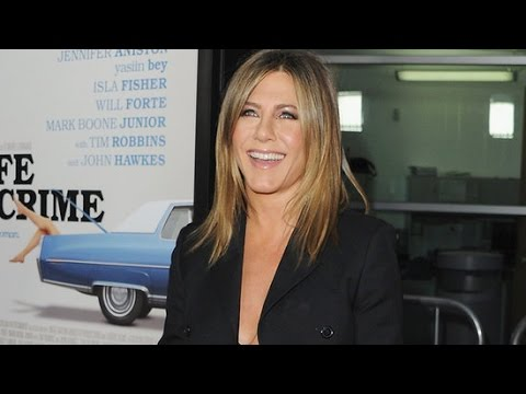 Jennifer Aniston Dishes on Her Worst Friends Fashion Moments