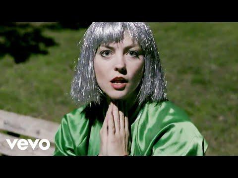 Angel Olsen Shut Up Kiss Me rock music videos 2016