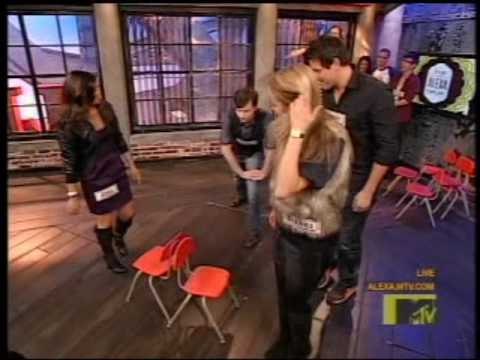 Glee Cast on It's On With Alexa Chung (higher quality)