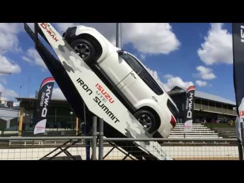 Isuzu Mux Ramp 4x4 Action