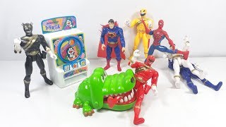 Đồ chơi siêu nhân đấu với superman và người nhện oẳn tù xì