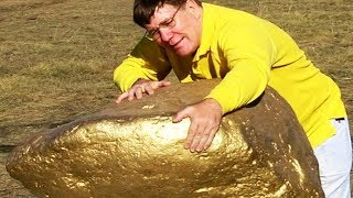 هذا الرجل عثر على أكبر كتلة من الذهب في العالم لن تصدق كم يبلغ ثمنها