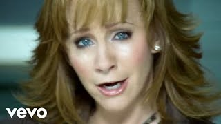 Клип Reba McEntire - Love Needs A Holiday