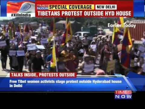 Tibetans protest in Delhi
