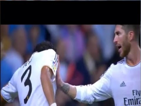 Khedira and Ramos prevent a clash between pepe and Benzema during Real Madrid and Atletico match
