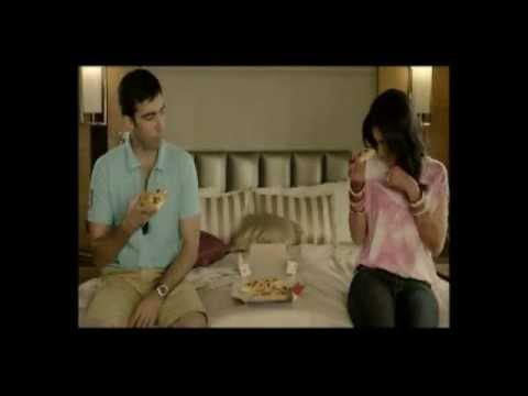 Domino's Pizza India TV Commercial - New Cheesy Boloroni Pizza