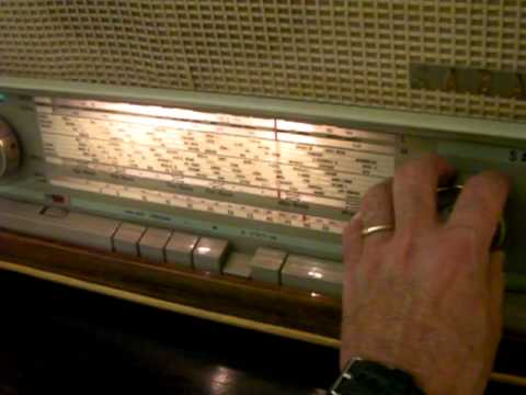 A FIFTY-YEAR OLD  WORLD RADIO RECEIVER