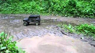 Axial SCX10 Mercedes G-Class in Mud