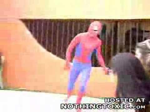 caida fatal hombre araña
