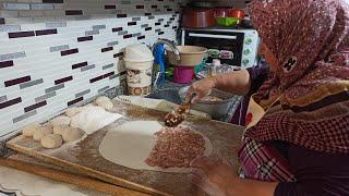 Etli ekmek yapımı Şadiye Anne yemekleri sohbet muhabbet dolu bir vlog sizlerle