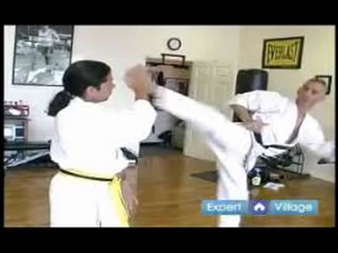 Advanced Kyokushin Karate Techniques : How to Do a Kyokushin Knock Down Kick Image 1