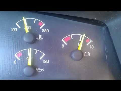 OIL PRESSURE GAUGE FLUCTUATING