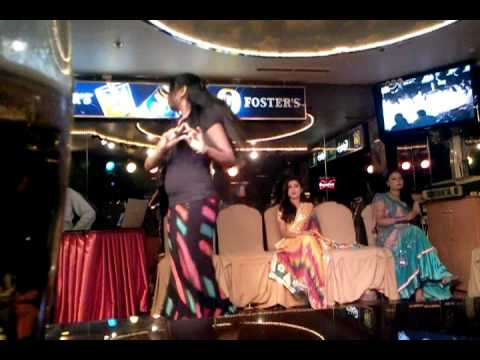 Novotel Abu dhabi  dance bar girl sonu saha.mp4