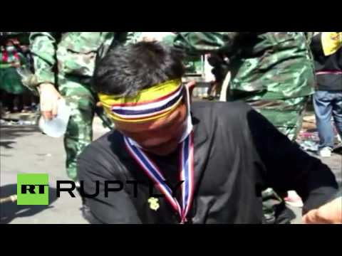 Thailand: Police use tear gas to clear protesters