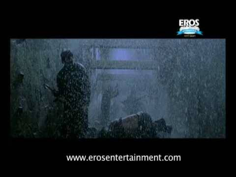 Sanjay Dutt Sunil Shetty in fight scene from Dus Kahaniyaan