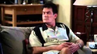 Two and a half men: Charlie borracho. (Sub en español) (1/3)