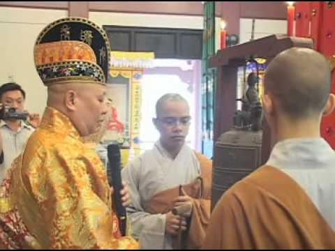 Lễ Khai Quang Đại Hùng Bảo Điện - Khai Chung Bản