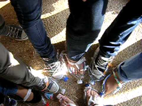 Como hacer unos zapatos con botella de plastico - Imagui