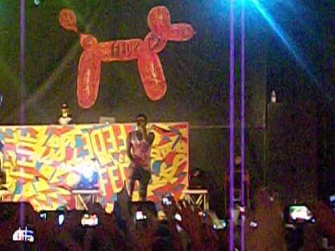 Fedez: Psichedelico / Dai Cazzo Federico + Pene Umano - live @ Carroponte 12/07/2013