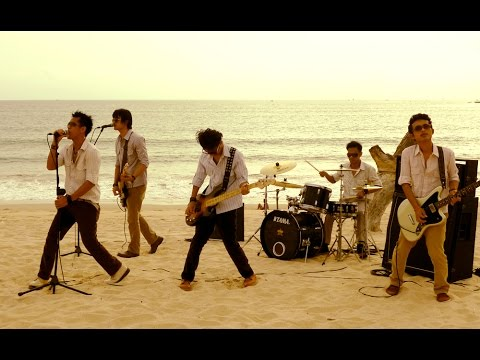 Esta Band - Pergilah Cinta (lagu Terbaru Indonesia 2014-2015) video