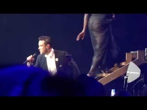 Robbie Williams - Minnie The Moocher (FRONT ROW) - 22-Sept-14 Brisbane HD